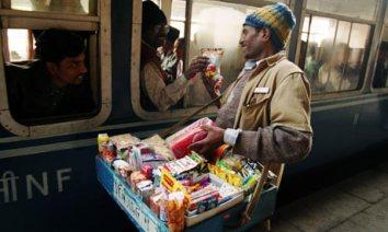 india-train-vendors-007